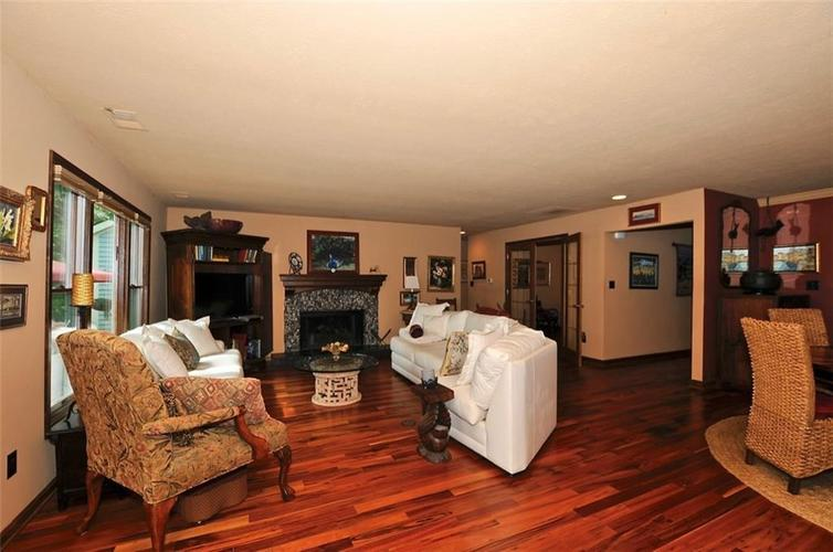 1923 SEAPORT Drive Indianapolis, IN 46240 | MLS 21670082 | photo 10