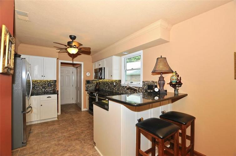 1923 SEAPORT Drive Indianapolis, IN 46240 | MLS 21670082 | photo 15
