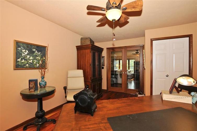 1923 SEAPORT Drive Indianapolis, IN 46240 | MLS 21670082 | photo 19