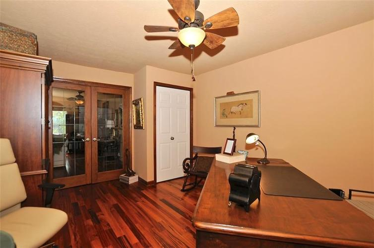 1923 SEAPORT Drive Indianapolis, IN 46240 | MLS 21670082 | photo 20