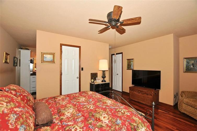 1923 SEAPORT Drive Indianapolis, IN 46240 | MLS 21670082 | photo 22