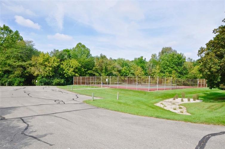 1923 SEAPORT Drive Indianapolis, IN 46240 | MLS 21670082 | photo 4