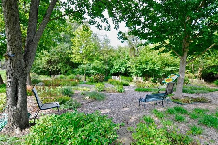 1923 SEAPORT Drive Indianapolis, IN 46240 | MLS 21670082 | photo 45