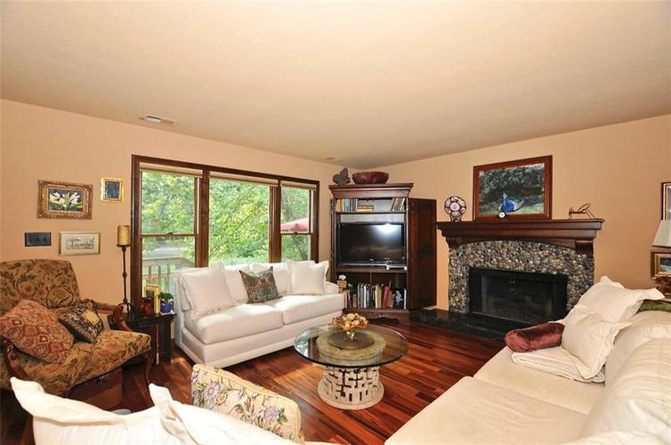 1923 SEAPORT Drive Indianapolis, IN 46240 | MLS 21670082 | photo 6
