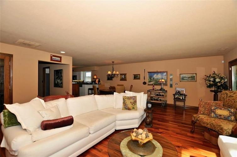 1923 SEAPORT Drive Indianapolis, IN 46240 | MLS 21670082 | photo 7