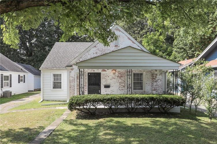5024 Graceland Avenue Indianapolis IN 46208 | MLS 21670102 | photo 2