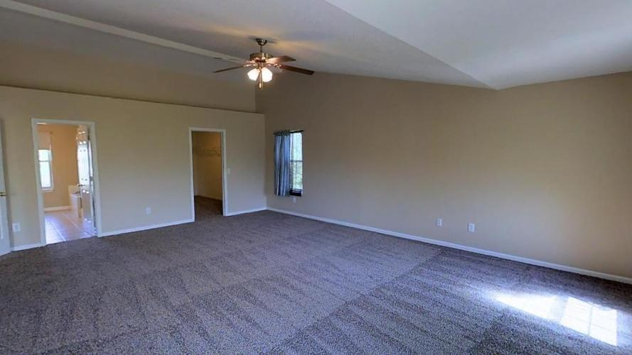 11664 Seville Road Fishers, IN 46037 | MLS 21670110 | photo 10