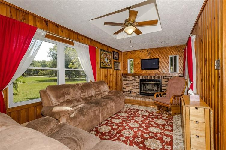 224 W Roberts Road Indianapolis, IN 46217 | MLS 21670195 | photo 12