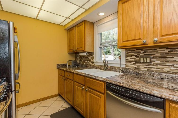 224 W Roberts Road Indianapolis, IN 46217 | MLS 21670195 | photo 15