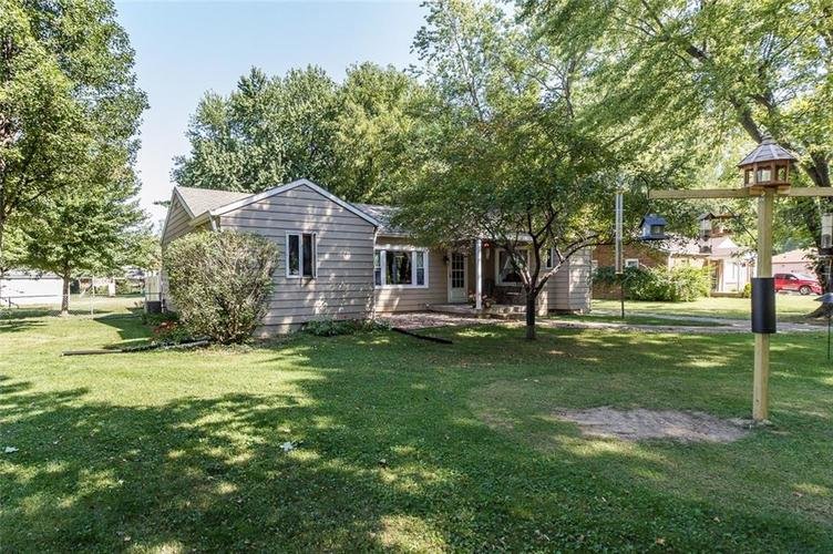 224 W Roberts Road Indianapolis, IN 46217 | MLS 21670195 | photo 2
