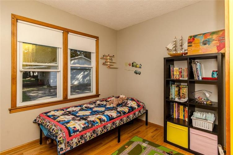 224 W Roberts Road Indianapolis, IN 46217 | MLS 21670195 | photo 24