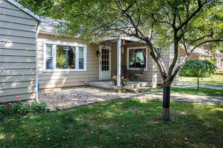 224 W Roberts Road Indianapolis, IN 46217 | MLS 21670195 | photo 3