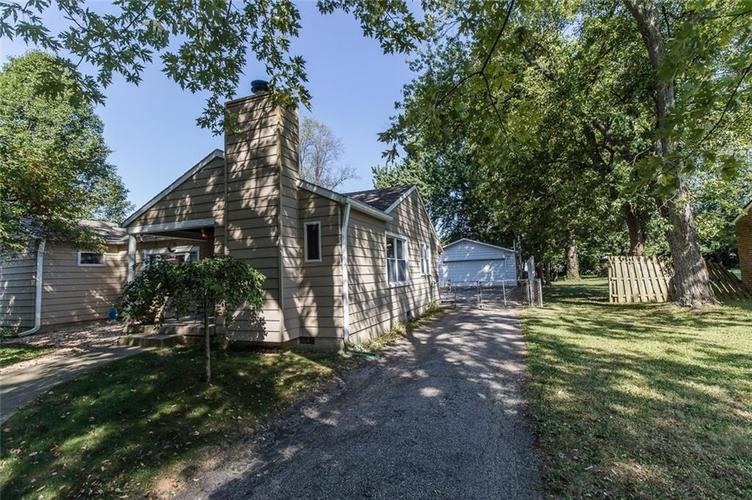 224 W Roberts Road Indianapolis, IN 46217 | MLS 21670195 | photo 4