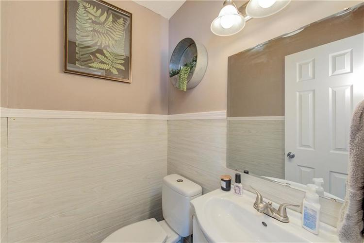 7413 Fairway circle east drive Indianapolis, IN 46236 | MLS 21670214 | photo 21