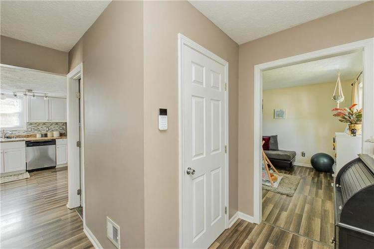 7413 Fairway circle east drive Indianapolis, IN 46236 | MLS 21670214 | photo 4