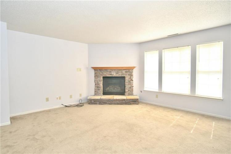 10755 Cyrus Drive Indianapolis, IN 46231 | MLS 21670218 | photo 4
