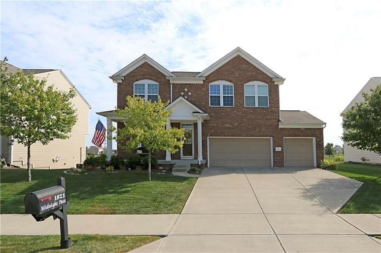 1821 Midnight Pass Brownsburg, IN 46112 | MLS 21670299 | photo 1