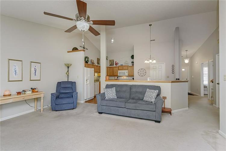 000 Confidential Ave.Indianapolis, IN 46217 | MLS 21670301 | photo 12