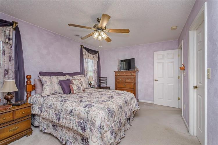 000 Confidential Ave.Indianapolis, IN 46217 | MLS 21670301 | photo 15