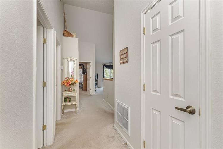 000 Confidential Ave.Indianapolis, IN 46217 | MLS 21670301 | photo 3