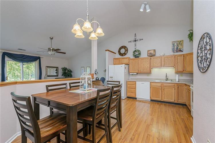 000 Confidential Ave.Indianapolis, IN 46217 | MLS 21670301 | photo 6