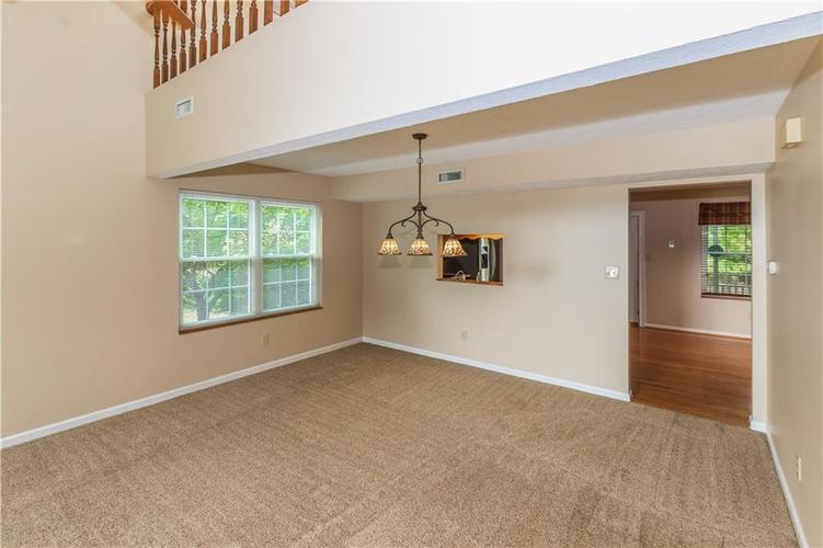 000 Confidential Ave.Indianapolis, IN 46237 | MLS 21670321 | photo 10