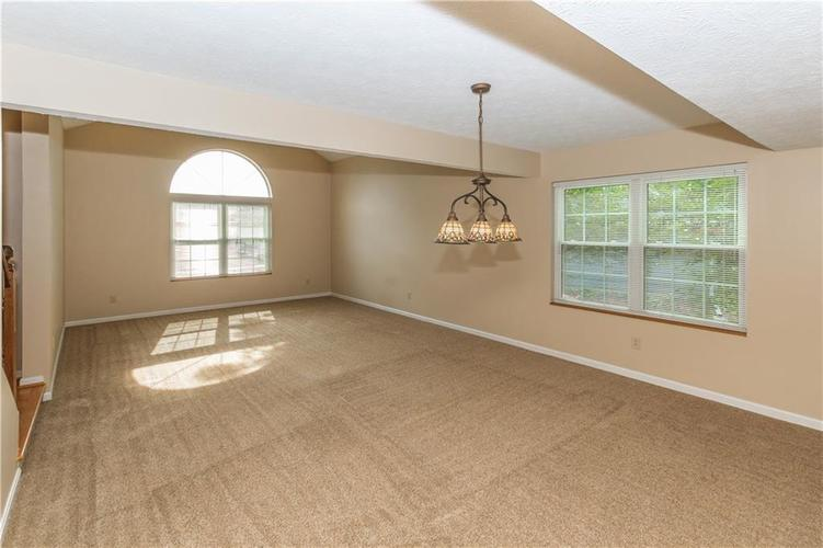 000 Confidential Ave.Indianapolis, IN 46237 | MLS 21670321 | photo 11