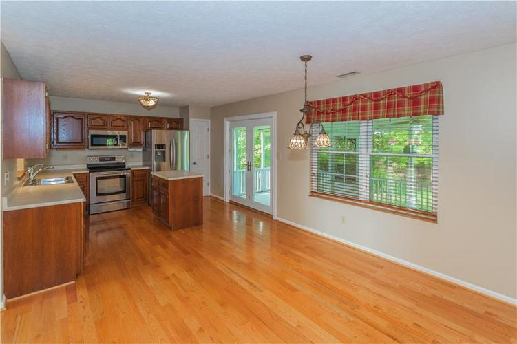 000 Confidential Ave.Indianapolis, IN 46237 | MLS 21670321 | photo 12