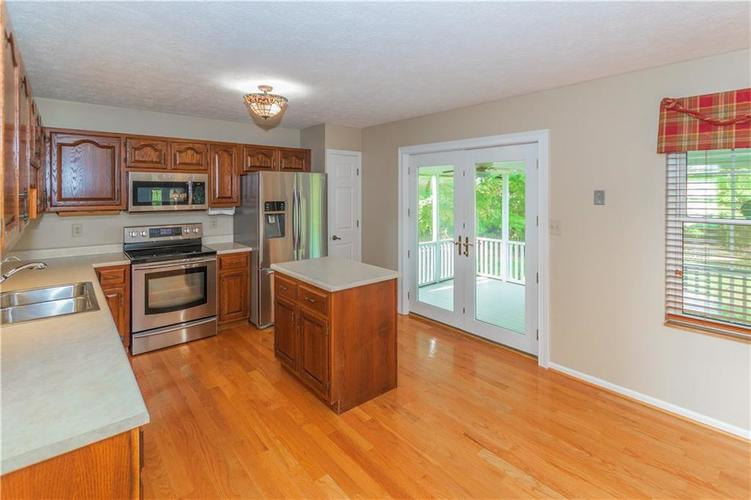 000 Confidential Ave.Indianapolis, IN 46237 | MLS 21670321 | photo 13