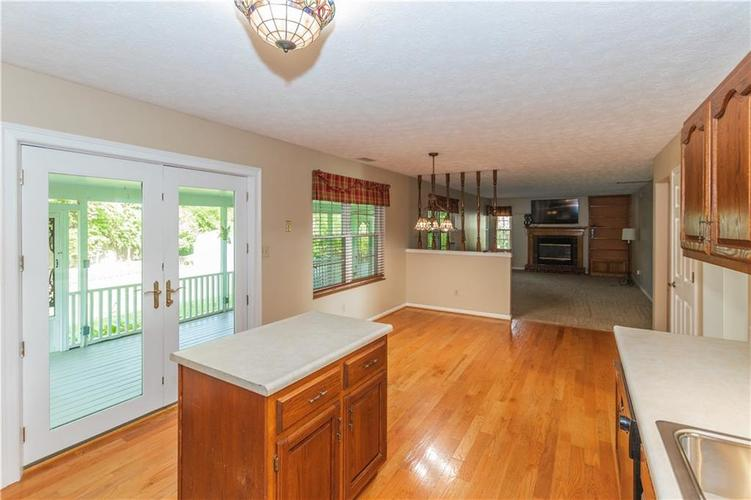 000 Confidential Ave.Indianapolis, IN 46237 | MLS 21670321 | photo 14
