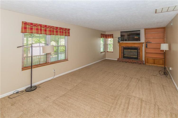 000 Confidential Ave.Indianapolis, IN 46237 | MLS 21670321 | photo 17