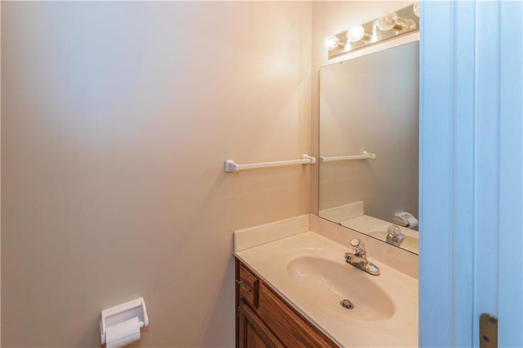 000 Confidential Ave.Indianapolis, IN 46237 | MLS 21670321 | photo 19