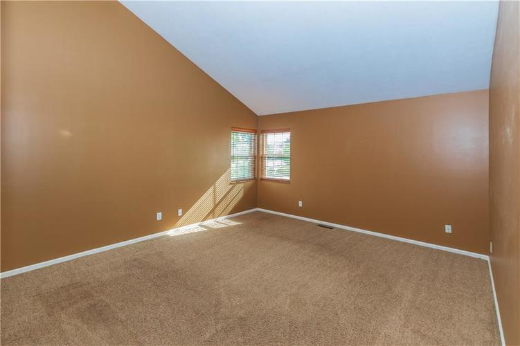 000 Confidential Ave.Indianapolis, IN 46237 | MLS 21670321 | photo 23
