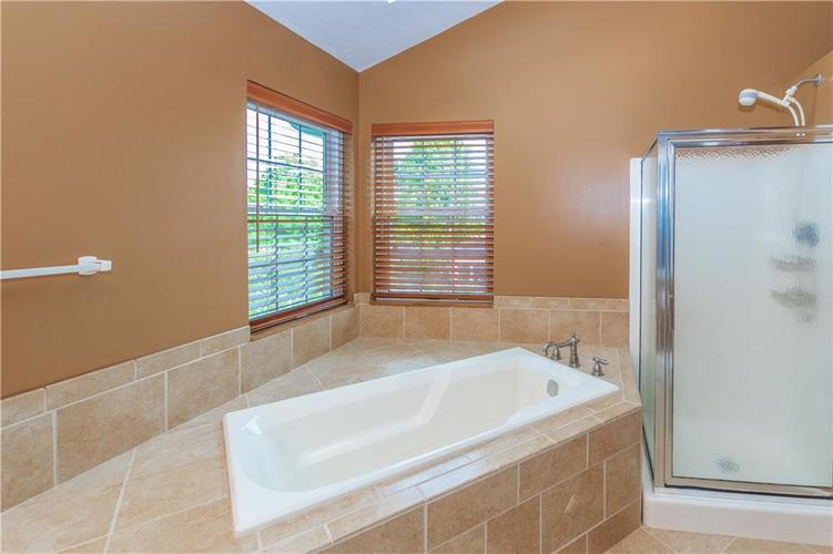 000 Confidential Ave.Indianapolis, IN 46237 | MLS 21670321 | photo 24