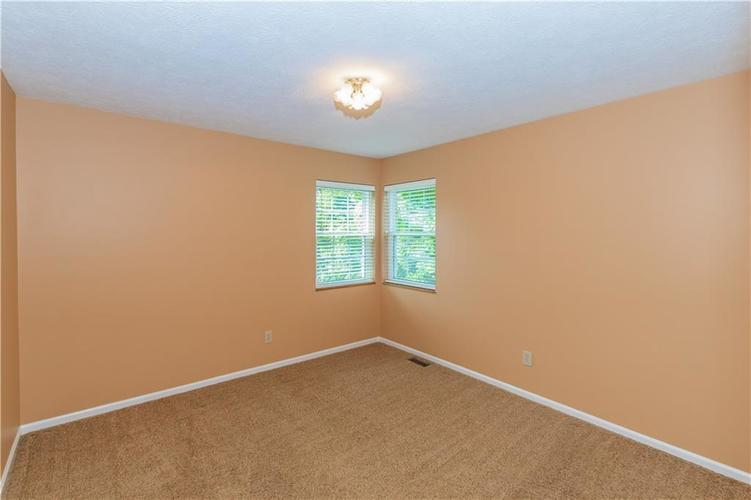 000 Confidential Ave.Indianapolis, IN 46237 | MLS 21670321 | photo 28