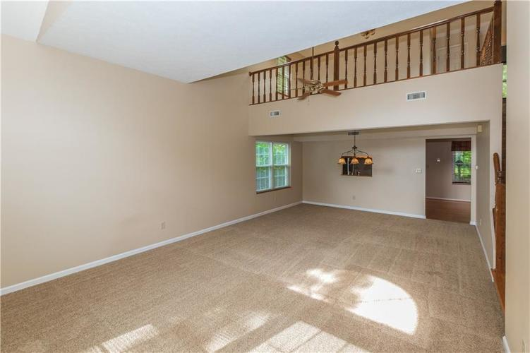 000 Confidential Ave.Indianapolis, IN 46237 | MLS 21670321 | photo 6