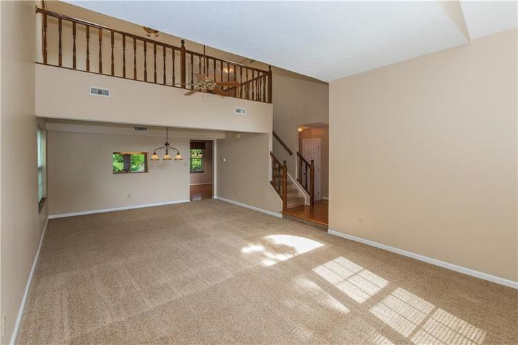 000 Confidential Ave.Indianapolis, IN 46237 | MLS 21670321 | photo 8