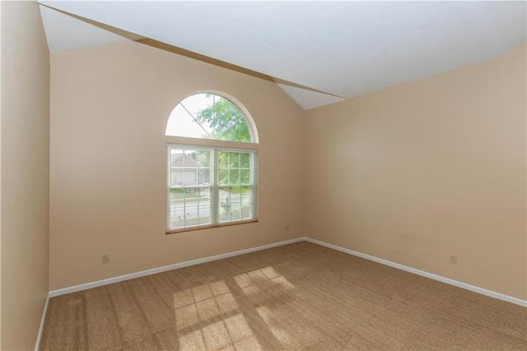 000 Confidential Ave.Indianapolis, IN 46237 | MLS 21670321 | photo 9