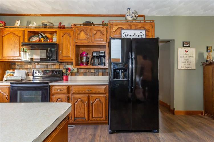 502 South Street Shirley, IN 47384 | MLS 21670334 | photo 24
