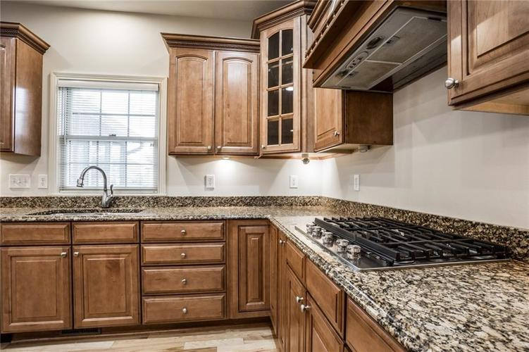 10218 FOREST MEADOW Circle Fishers, IN 46040 | MLS 21670380 | photo 18