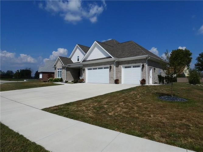 3532 St. Andrews Place Seymour, IN 47274 | MLS 21670395 | photo 2