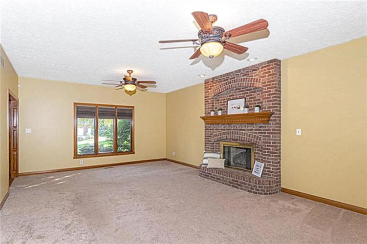 6045 White Ash Court Avon, IN 46123 | MLS 21670419 | photo 7