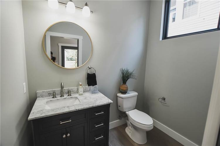 1114 Newman Street Indianapolis, IN 46201 | MLS 21670421 | photo 10