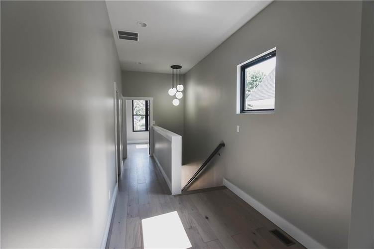 1114 Newman Street Indianapolis, IN 46201 | MLS 21670421 | photo 17