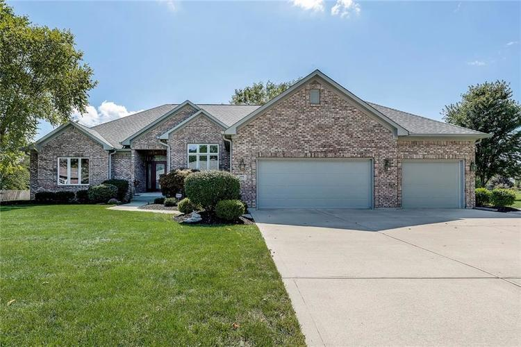 5969 Willow Bend Drive Avon, IN 46123 | MLS 21670488 | photo 1