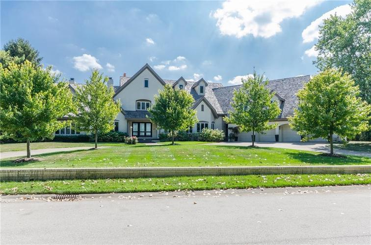 8185 CLEARWATER POINTE Indianapolis IN 46240 | MLS 21670703 | photo 1
