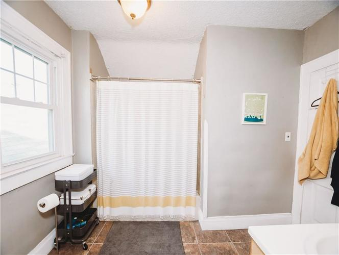 633 E McCarty Street Indianapolis, IN 46203 | MLS 21670853 | photo 19
