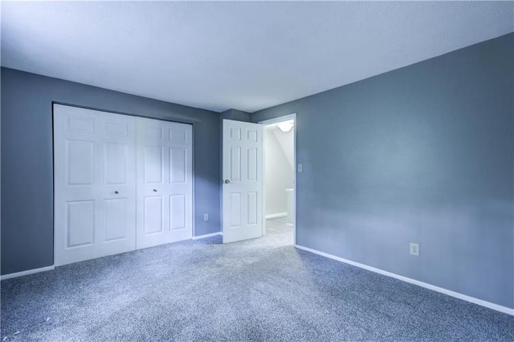 9455 TIMBER VIEW Drive Indianapolis, IN 46250 | MLS 21670960 | photo 14
