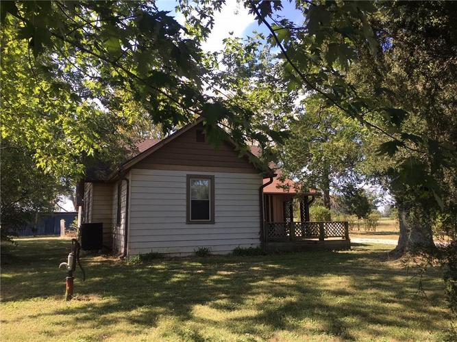 10492 S County Road 0 Clayton, IN 46118 | MLS 21670966 | photo 2