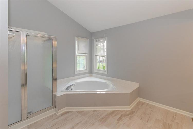 10936 EATON Court Fishers, IN 46038 | MLS 21671097 | photo 17